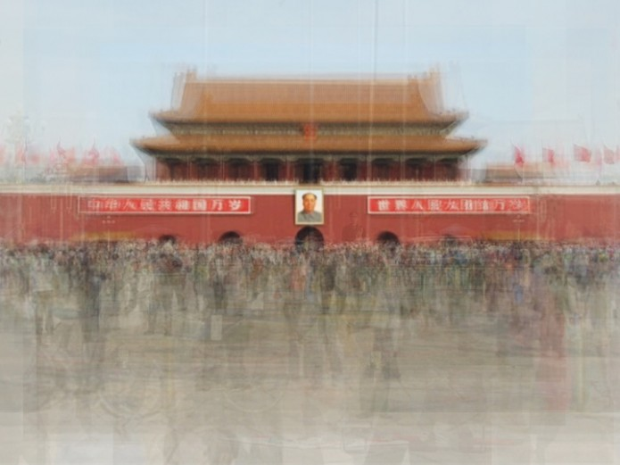 Corinne Vionnet Tiananmen Square 695x521 Take a trip round the world in the company of hundreds of tourist ghosts